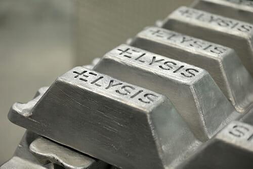 Apple breakthrough carbon-free aluminum smelting method